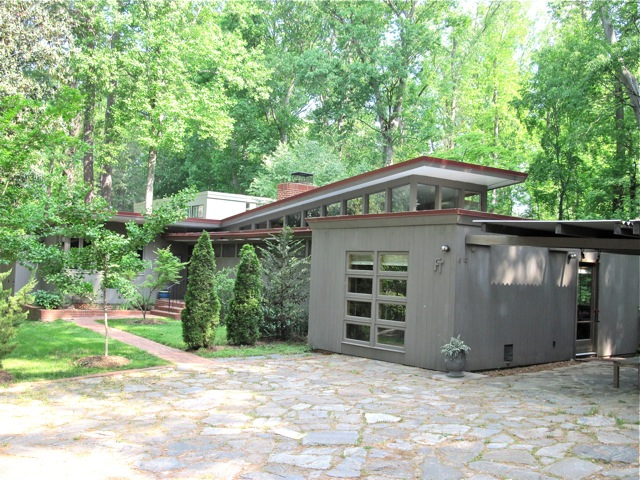 Metro modern richmond mid century house 8 for Contemporary homes in virginia